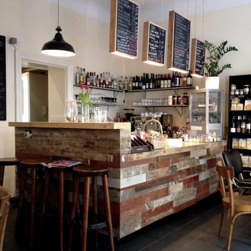 Sustainable Design and Craftsmanship Berliner Café Interior Innenarchitektur