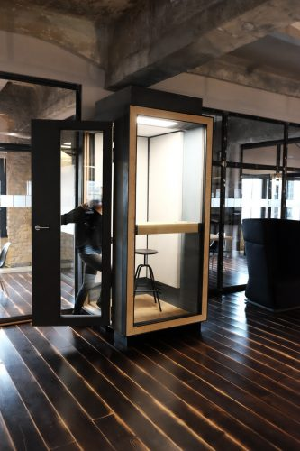 Indoor Office Telefonzelle. Acoustic phone booth for office environments Studio Kerti Berlin
