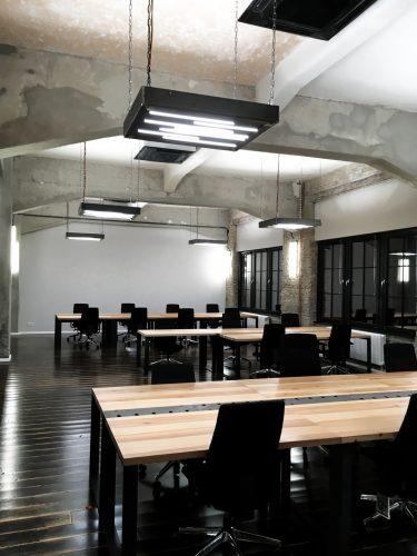 Raumbeleuchtung im Büro Arbeitstische nach Maß für Office und Büro Berlin